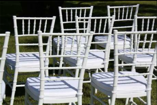 These Unique Chairs Are Perfect For Weddings And White Parties